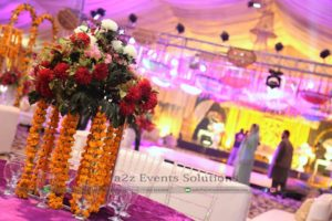 centerpieces, fresh flowers, mehndi decor, lounges