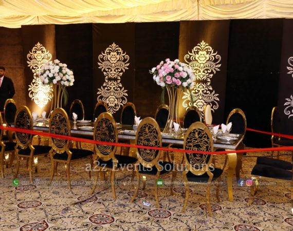 vip chairs, headtable decor